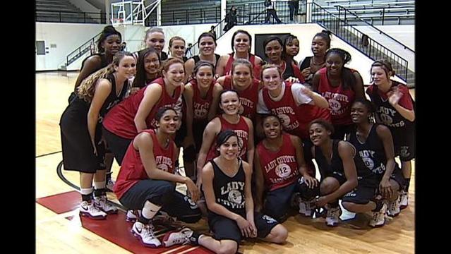 TEAM OF THE WEEK: WICHITA FALLS LADY COYOTES - DECEMBER 10, 2009
