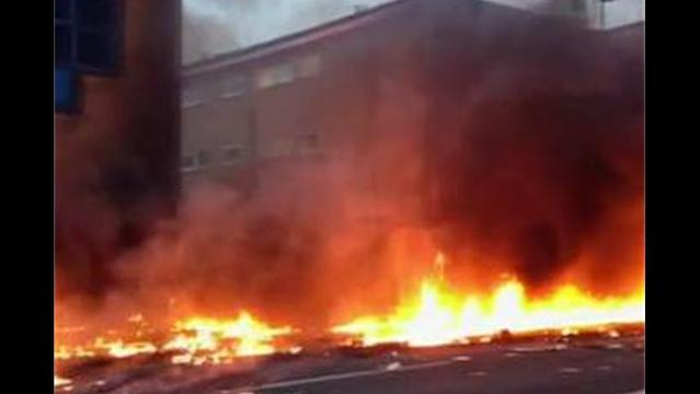Two Die as Helicopter Hits Crane, Crashes on London Street