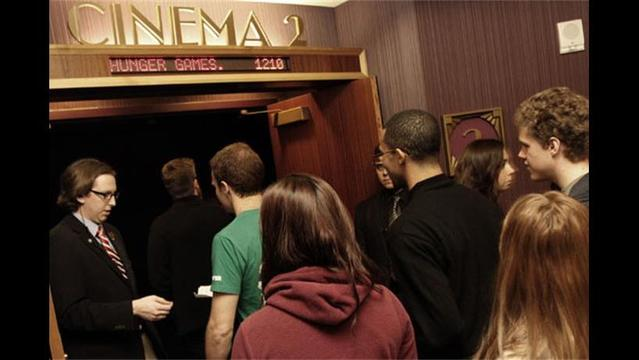 Nation's Biggest Movie Theater Chain Cuts Workweek, Blaming ObamaCare