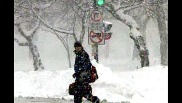Winter Storm Moving across US Threatens Holiday Travelers, Gifts