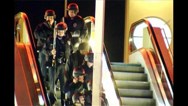 14 Hostages Freed from California Mall; One Assaulted, One Stabbed, Police Say