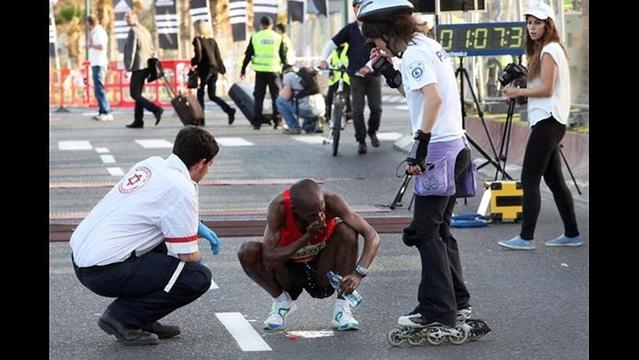 30 Runners Hospitalized, One Dead after Tel Aviv Half-Marathon