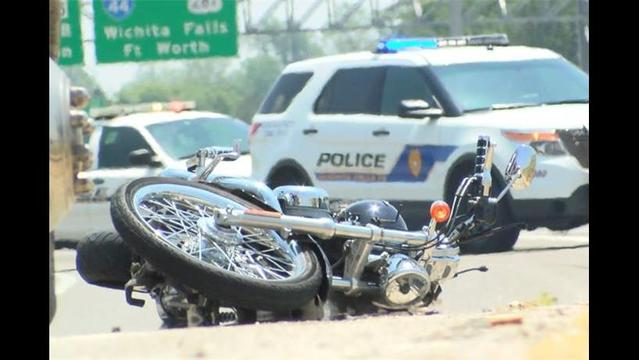 Motorcyclist Injured in Accident on Loop 11
