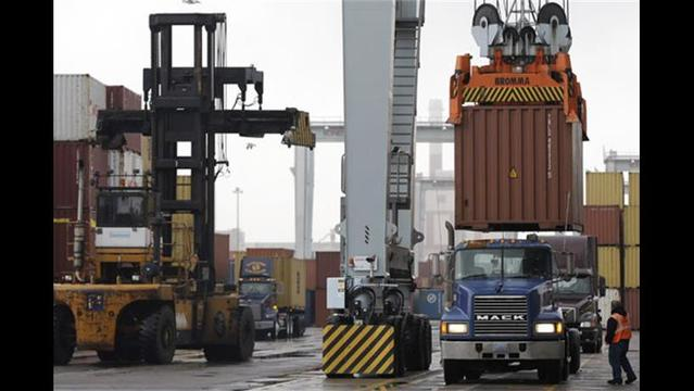 Businesses Warn of 'Coast Wide Port Shutdown' as Union Strike Looms, Appeal for Obama Intervention