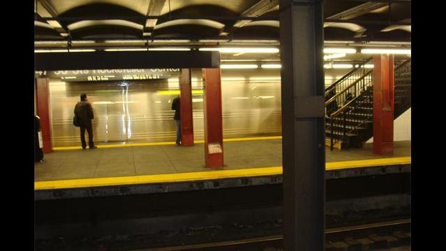 'Mumbling Woman' Pushes Man to his Death in Front of NYC Subway Train