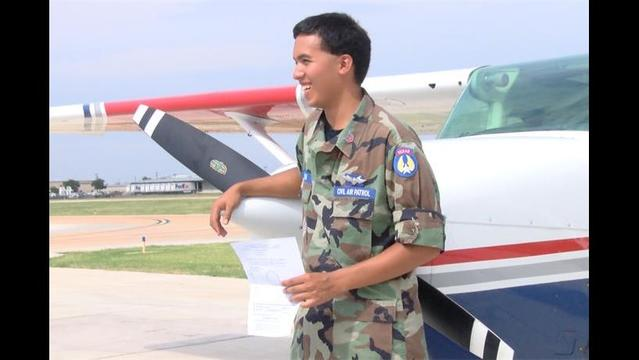 Teenager Becomes Pilot with the Help of Scholarship