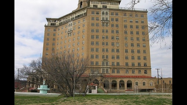 Mineral Wells Residents Vote to Restore Baker Hotel