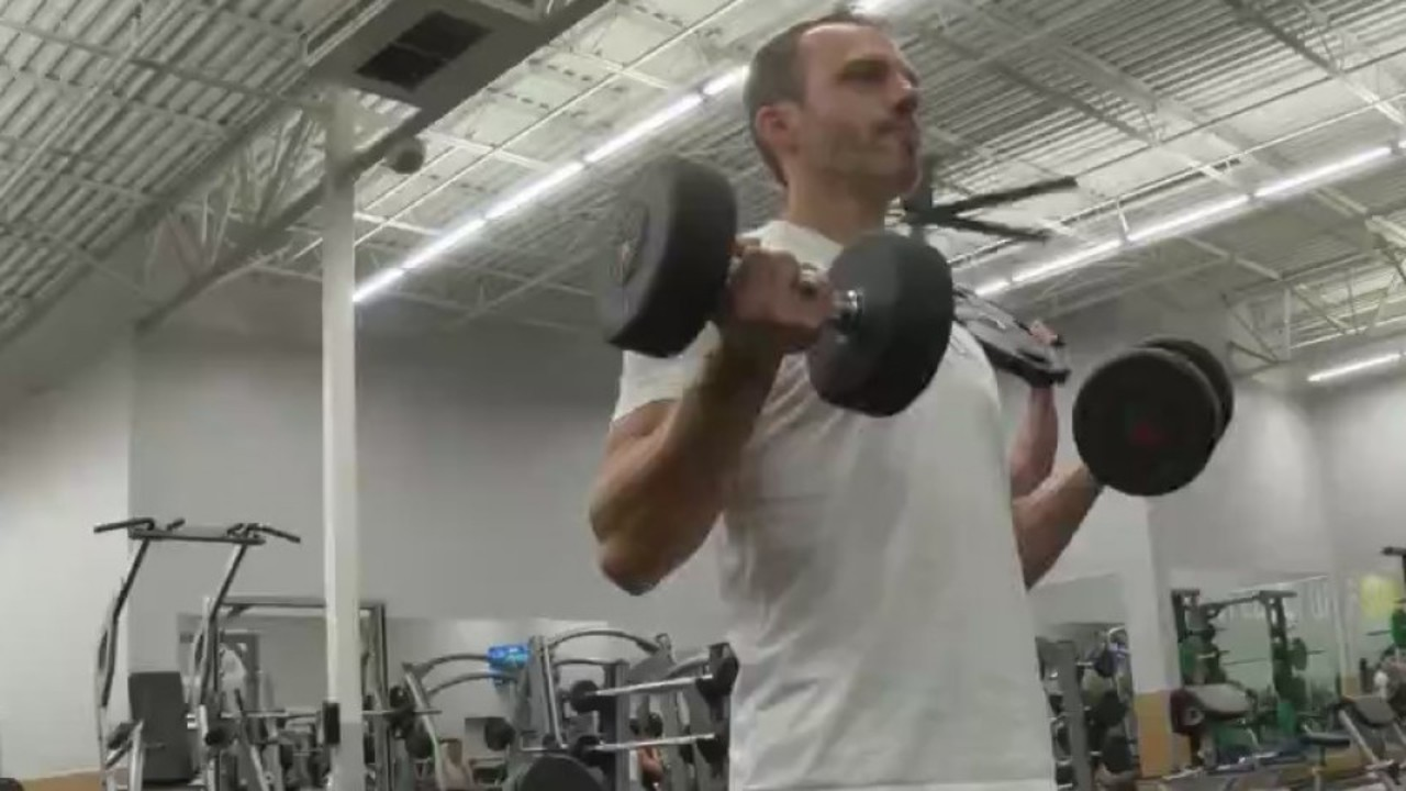local man breaks pull up record